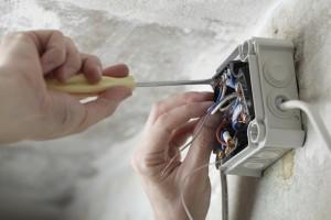 Elektroarbeiten Was Selbst Machen 11880 Elektriker Com